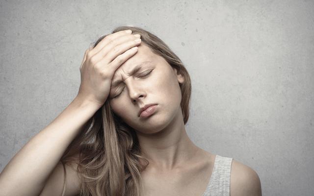 月経カップのデメリットを感じる女性