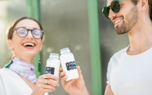 オーツミルクが人気